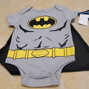 Baby onesis batman with cape  size 3 months